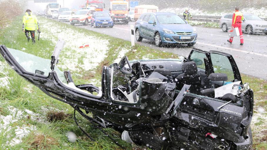 Mùa Đông đột ngột trở lại Đức gây nhiều tai nạn