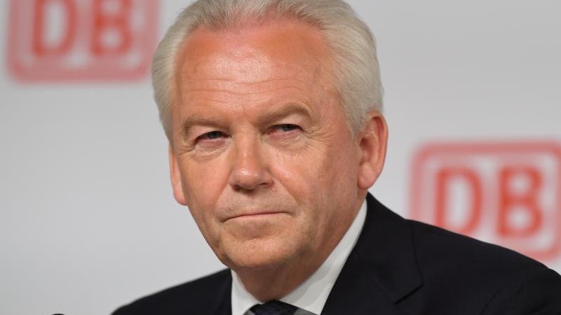 Deutsche Bahn: Rüdiger Grube eröffnet Ausbauabschnitt zum JadeWeserPort in ...