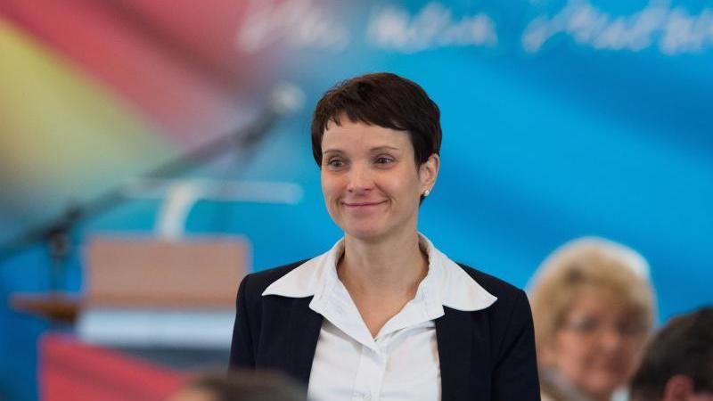 Sächsische AfD stimmt sich auf Bundestagswahl ein