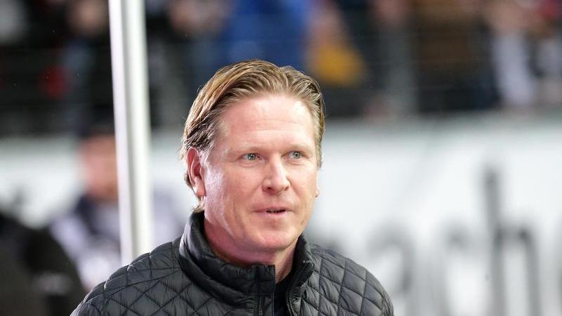Trainer Gisdol verlängert auslaufenden Vertrag beim HSV