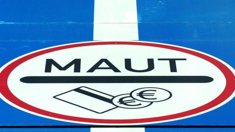 Bundestag stimmt über umstrittene Pkw-Maut ab