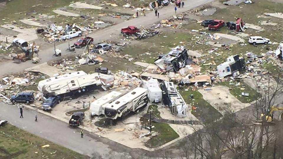 Tornados und schwere Unwetter in den USA fordern ...